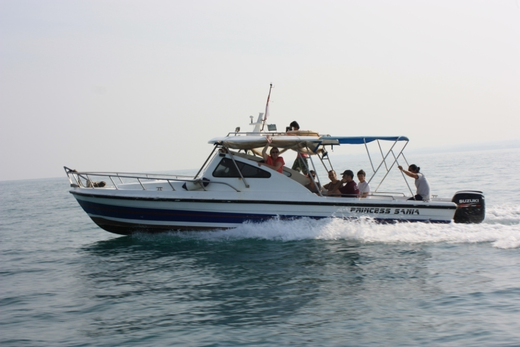 fast boat double engine to krakatoa tour